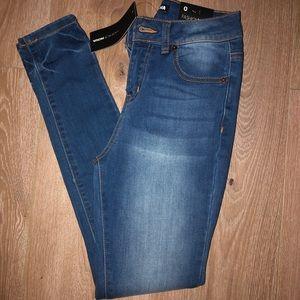 Fashion Nova Skinny Jeans In Size 0